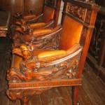 IMG_2423_enl.JPGстаринное кресло